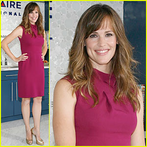 Jennifer Garner Makes Time for Change