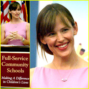 Jennifer Garner is a School Bill Supporter