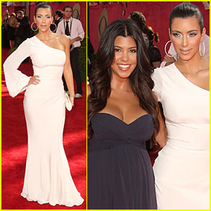 Kim Kardashian - Emmy Awards 2009 with Kourtney!