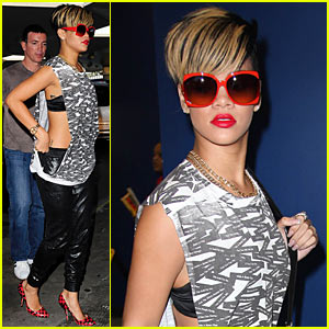 Rihanna: Funky Red Shades