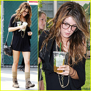 Shenae Grimes: Bubble Tea Babe