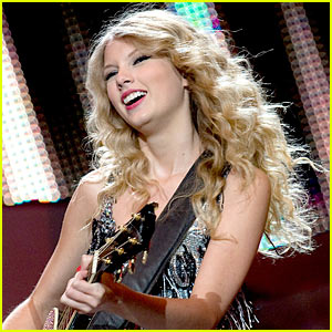 Taylor Swift's VMAs Performance -- Details Leaked!