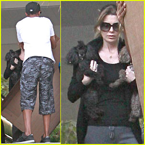 Ellen Pompeo Double Fists Her Dogs
