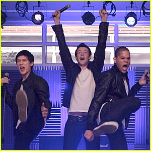'Glee' Guys Rock Out To 'It's My Life'