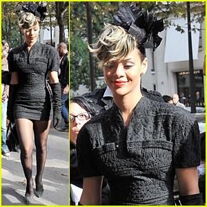 Rihanna: Dior at Paris Fashion Week!