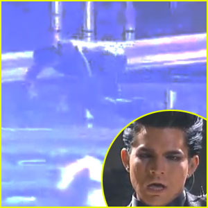 Adam Lambert Falls Down, Takes Second AMAs Tumble