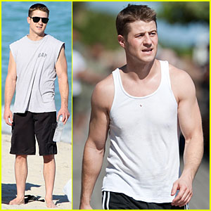 Ben McKenzie: Tank Top Run!