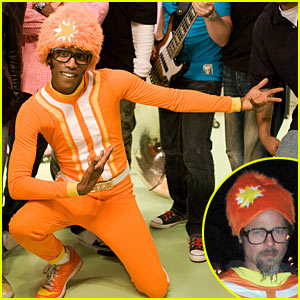 Brad Pitt's Halloween Costume: Yo Gabba Gabba!