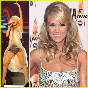 Carrie Underwood Hosts The 2009 CMAs