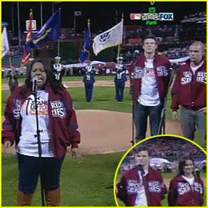 'Glee' Cast Sings National Anthem