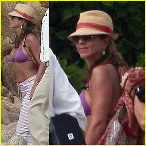 Jennifer Aniston: Bikini Babe in Cabo San Lucas