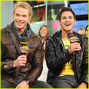 Twilight's Kellan Lutz & Bronson Pelletier Give Back