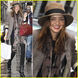 Miranda Kerr Faces The Pharmacy in the Rain