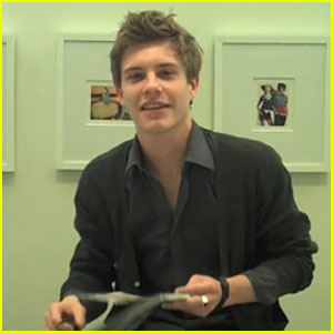Twilight's Xavier Samuel Crushes On January Jones