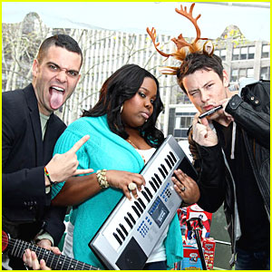 Cory Monteith & Mark Salling Get Ready to Do Carol-Oke