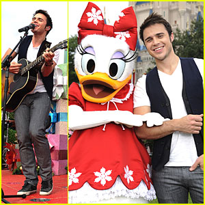 Kris Allen Rocks Around the Christmas Tree
