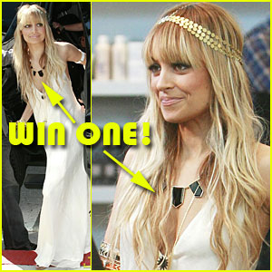 Win Nicole Richie's House of Harlow 1960 Necklace!