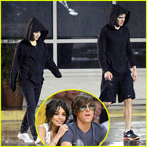Vanessa Hudgens & Zac Efron Black Out