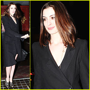 Anne Hathaway: Hasty Pudding Proud