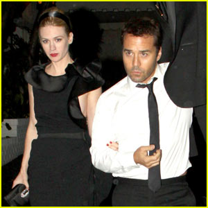 January Jones & Jeremy Piven Lock Arms at Chateau Marmont