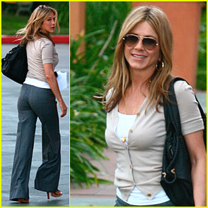 Jennifer Aniston: Baby Got Back!