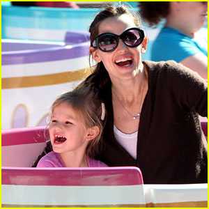 Jennifer Garner & Violet Affleck: We're Going to Disneyland!