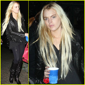 Lindsay Lohan: Hair Care Stare!