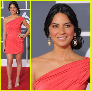 Olivia Munn - Grammys 2010 Red Carpet