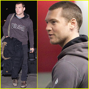Sam Worthington: I Get Through Customs Easier