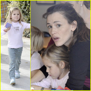 Violet Affleck: Mommy & Me!