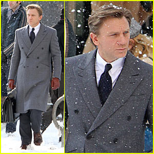 Daniel Craig: Snowy Dream House!