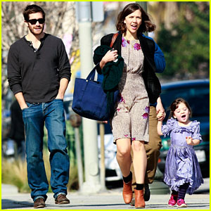 Uncle Jake Gyllenhaal: Ammo with Sister Maggie!