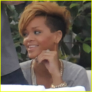 Rihanna is Poolside Pretty