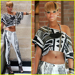 Rihanna: Valentine's Day in Australia!