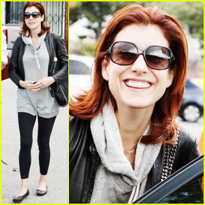 Kate Walsh Hugs It Out