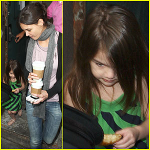 Katie Holmes & Suri Cruise: Le Pain Quotidien Pair