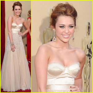 Miley Cyrus -- Oscars 2010 Red Carpet