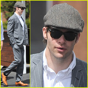 Chris Pine: Easter Sunday Mass Sans Jasmine Waltz