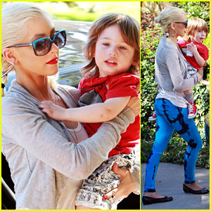 Christina Aguilera: Memorial Day Weekend with Max!