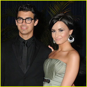 Demi Lovato Confirms Joe Jonas Split