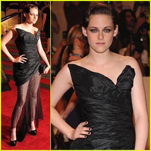 Kristen Stewart - MET Ball 2010