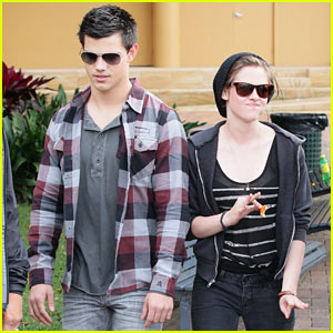 Kristen Stewart & Taylor Lautner: Boat Ride Down Under!
