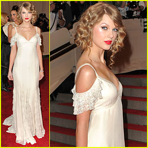 Taylor Swift: MET Ball 2010