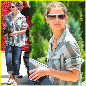 Katie Holmes: Preparing for Jackie Kennedy Role!