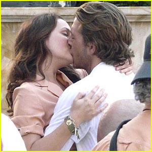 Leighton Meester & Luke Bracey: Kiss Kiss!