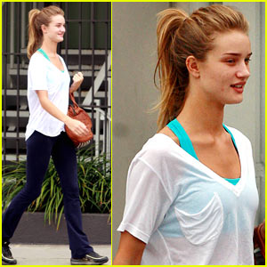 Rosie Huntington-Whiteley: Model Workout