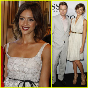 Jessica Alba & Ewan McGregor: Who's the Boss?