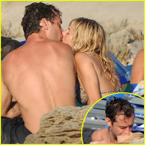 Jude Law &#038; Sienna Miller: Ponza Pair