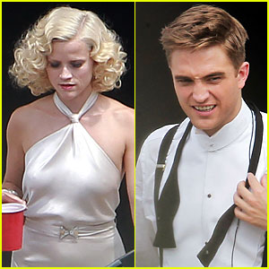 Robert Pattinson & Reese Witherspoon: Dressed Up for Elephants!