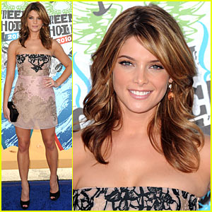 Ashley Greene - Teen Choice Awards 2010 Red Carpet!